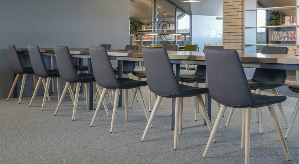 pera-chairs-metal-dowel_